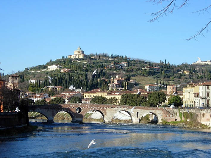 """""""Mysterious Verona - the Town and its myths"""""""